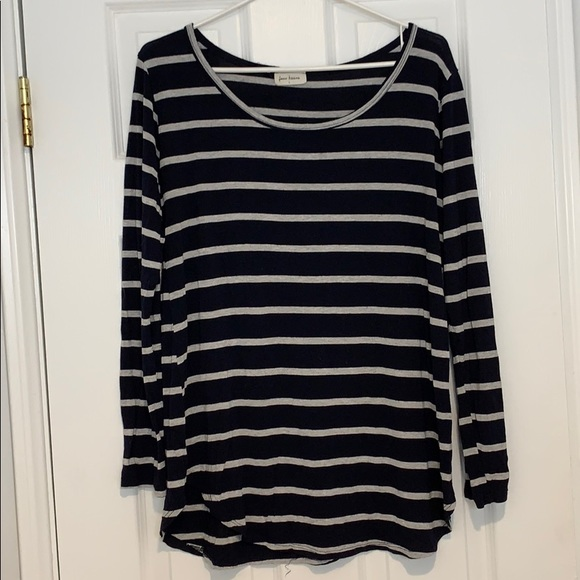 Free Kisses Tops - Navy blue and grey striped long sleeve shirt!